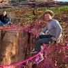 Бейсджамперы из Юты соорудили паутину на 120-метровой высоте