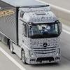 Daimler представил грузовик с автопилотом