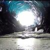 На Аляске исследовали ледяную пещеру с помощью летающего дрона