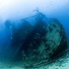 Моряк выжил после трехдневного плена на затонувшем буксире
