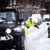 Американец проехал на сноуборде по автомобильным дорогам Нью-Йорка