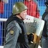 Ярославский полицейский охранял порядок на футболе в нацистской каске