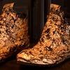 Голливудский бутик продаёт кроссовки с позолотой за 1800 долларов