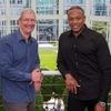 Глава Apple бросил вызов Доктору Дре в благотворительном челлендже