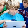 Подростки из США погнули несколько iPhone 6 Plus прямо в Apple Store