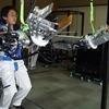 Panasonic запустит «силовые костюмы» в массовое производство