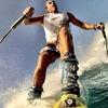 Сёрф-скиинг: Кто придумал спускаться по волнам на лыжах и для чего это нужно