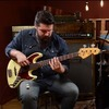 Музыканты из Чикаго исполнили сотню риффов на бас-гитаре для видео