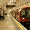Житель Лондона нагнал поезд метро