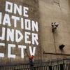 Больше половины британцев голосуют за усиление наблюдения и контроля