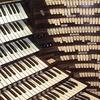 6 чрезмерно больших музыкальных инструментов