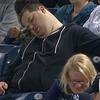Уснувший во время матча болельщик хочет отсудить у телеканала 10 миллионов долларов