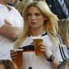 Владимир Путин разрешил рекламировать пиво на стадионах