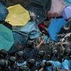 Организаторы протестов в Гонконге готовы сдаться полиции