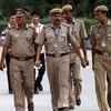 Индийские полицейские лечатся от алкоголизма при помощи гипнотизера