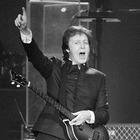 Пол Маккартни спел вместе с японской трибьют-группой The Beatles