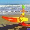 Американец создал игрушечного сёрфера, самостоятельно ловящего волны