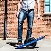 Американцы изобрели одноколёсный скейт на электродвигателе