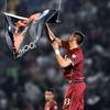 На матче между Сербией и Албанией дрон спровоцировал побоище