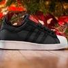 Марка Adidas и хип-хоп-группа Run-D.M.C. выпустили модель обуви с рисунками покойного Кита Харинга