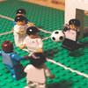 Англичанин Грэм Лав воссоздал все знаковые моменты в истории Евро при помощи фигурок Lego