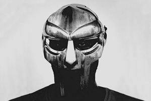 Личное дело: DOOM, хип-хоп-музыкант и человек в железной маске