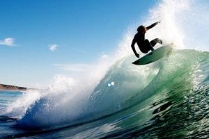 25 документальных видео о сёрфинге, снятых марками одежды