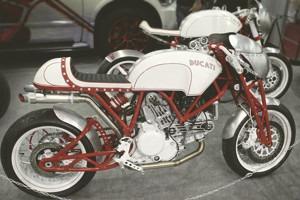 Лучшие кастомные мотоциклы выставки «Мотопарк 2012»
