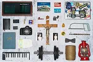 Личный состав: Предметы Адриана Березина, создателя фотостудии Naked Studio