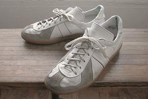 Дневной наряд: Как армейские кроссовки разных стран вдохновляют современных дизайнеров