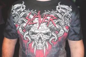 25 футболок Slayer на концерте группы Slayer