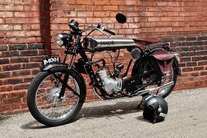 Красота по-американски: Фирма из США начала выпускать мотоциклы-малолитражки в стиле 1920-х годов