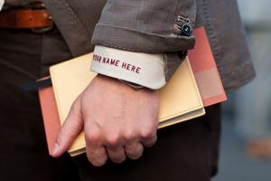Все, что нужно знать о монограммах на мужской одежде