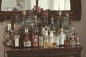 Домашний прием: Как собрать собственный мини-бар