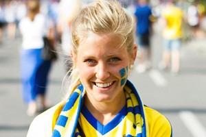 Красивые девушки на матчах Евро-2012