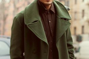 Надевать он стал пальто: однобортные, двубортные, с поясом и без