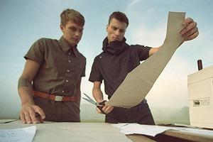 «Креативщики —новые рокеры»: Интервью с создателями молодой российской марки одежды Stoyn
