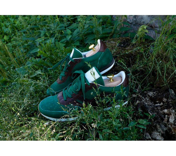 Марка AFOUR и магазин Zefear представили совместную коллекцию кроссовок. Изображение № 3.