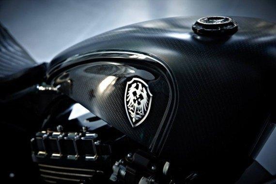 Мастерская  Rough Crafts представила кастомный мотоцикл на базе Harley-Davidson. Изображение № 12.