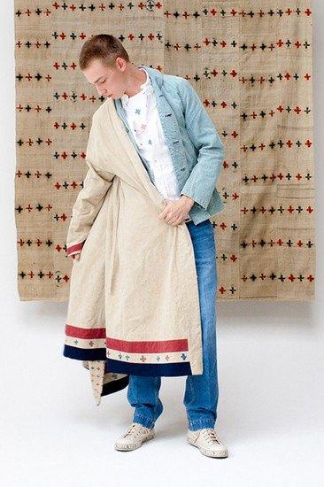 Японская марка Visvim опубликовала лукбук весенней коллекции одежды. Изображение № 14.