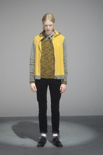 Японская марка Undercover выпустила лукбук осенней коллекции одежды. Изображение № 24.