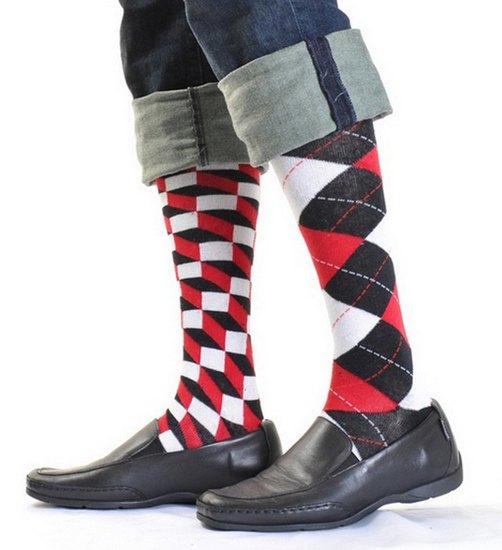Американцы поздравили бывшего президента цветными носками. Изображение № 14.