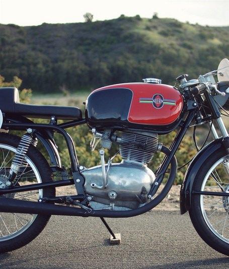 Мастерская Vintage Italian Restoration представила мотоцикл Gilera 175 Milano Taranto. Изображение № 14.