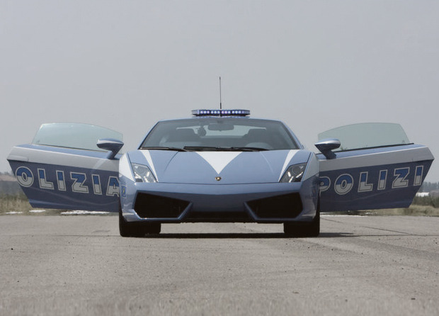 Полицейский беспредел: Самые навороченные авто на службе полиции разных стран. Изображение № 20.