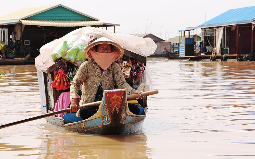 Две девушки и один мотоцикл: Путешествие по Камбодже. Изображение № 15.