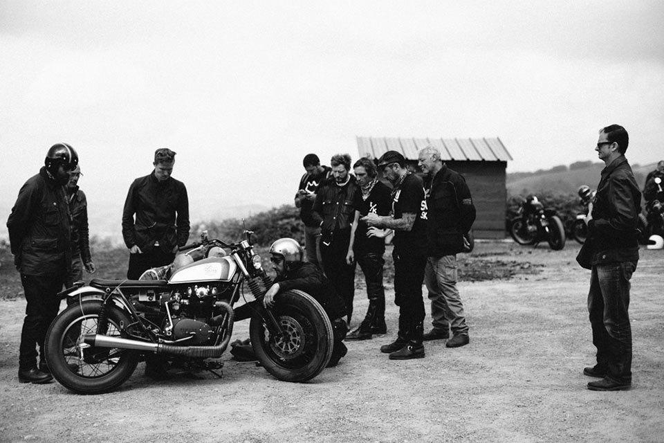 Фоторепортаж с мотоциклетного фестиваля Wheels & Waves. Изображение № 32.