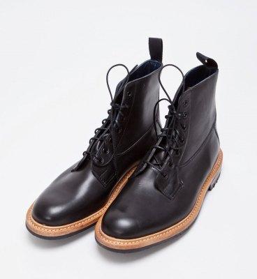 Марка Tricker's и магазин Tres Bien представили совместную модель ботинок. Изображение № 2.
