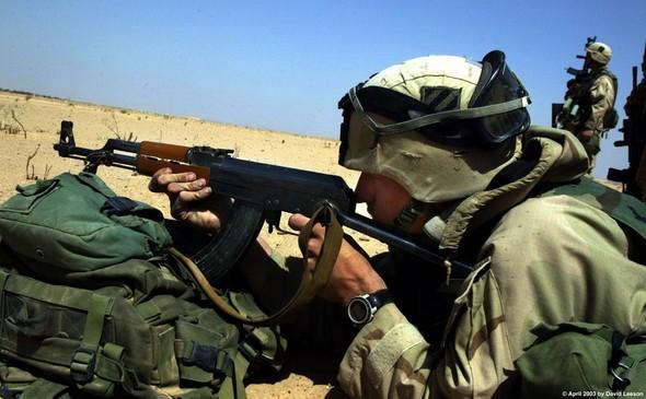 Военное положение: Одежда и аксессуары солдат в Ираке. Изображение № 35.