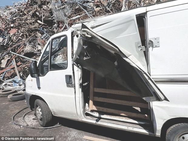 Англичанин случайно сдал свой автомобиль на металлолом. Изображение № 3.
