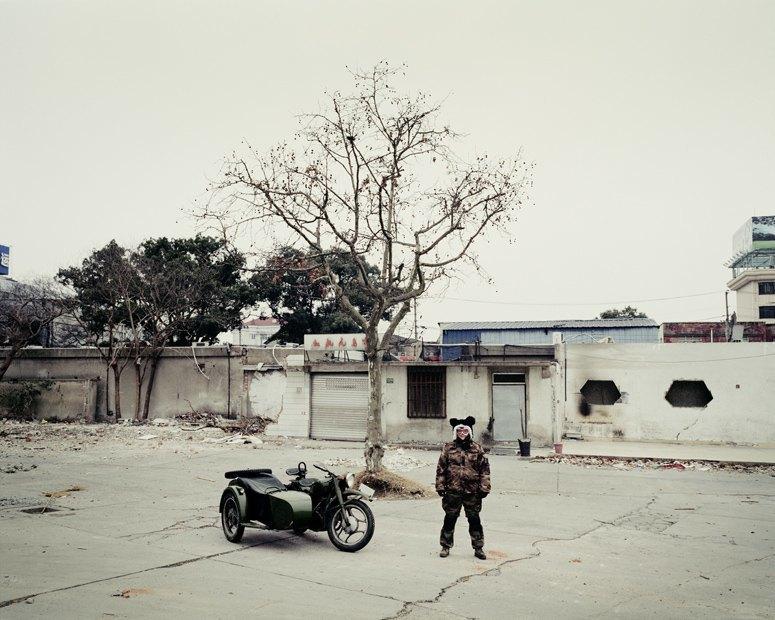 В люльке: Владельцы мотоциклов с колясками на фоне пейзажей Шанхая. Изображение № 3.